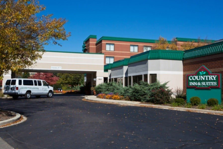 Ultimate List of Best Luxury Hotels in Naperville City, Illinois, Country Inn & Suites by Carlson Naperville