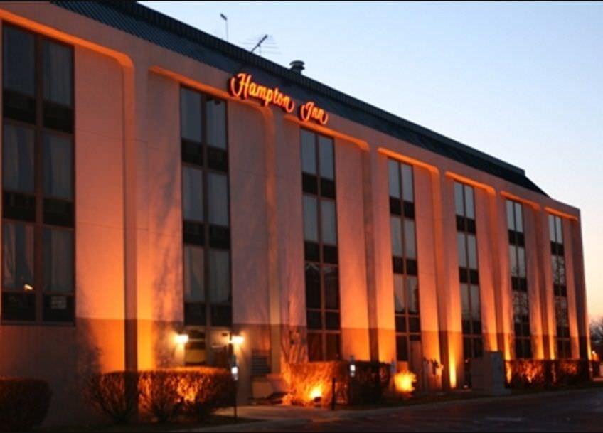 Ultimate List of Best Luxury Hotels in Naperville City, Illinois, Hampton Inn Chicago- Naperville
