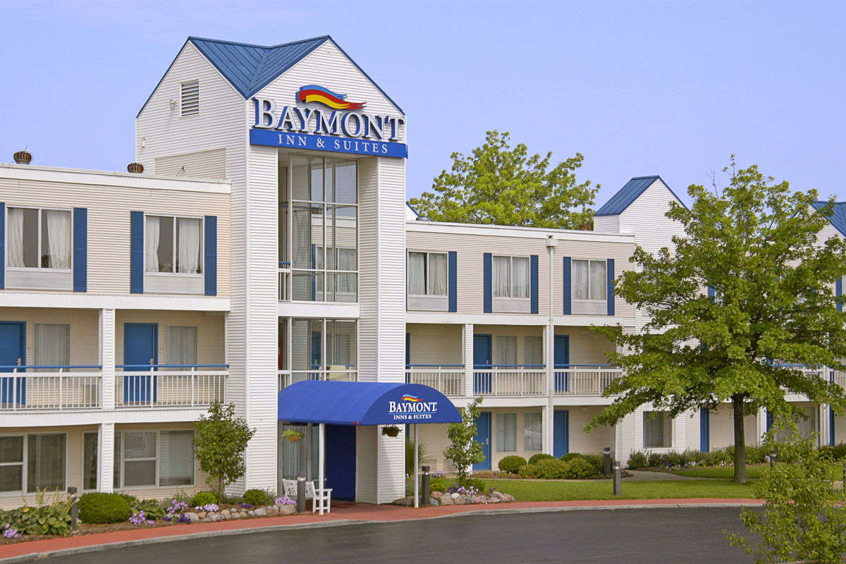 Ultimate List of Best Luxury Hotels in Peoria City, Illinois, Baymont Inn & Suites Peoria