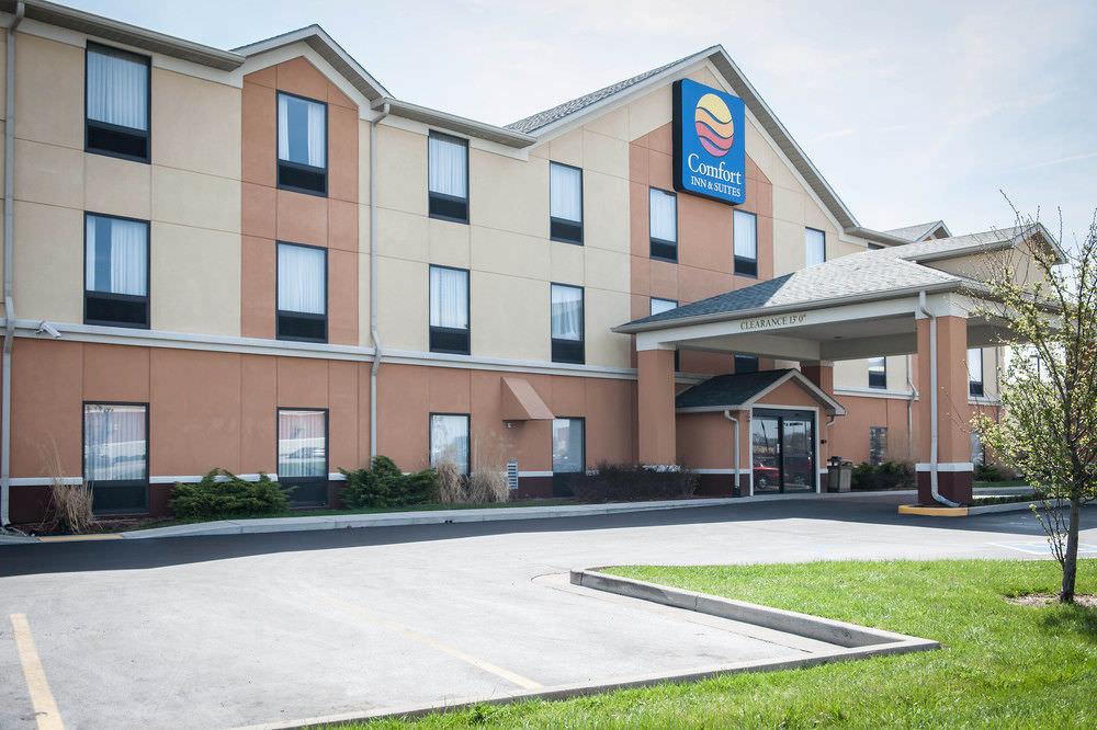 Ultimate List of Best Luxury Hotels in Porter, Michigan, Comfort Inn & Suites