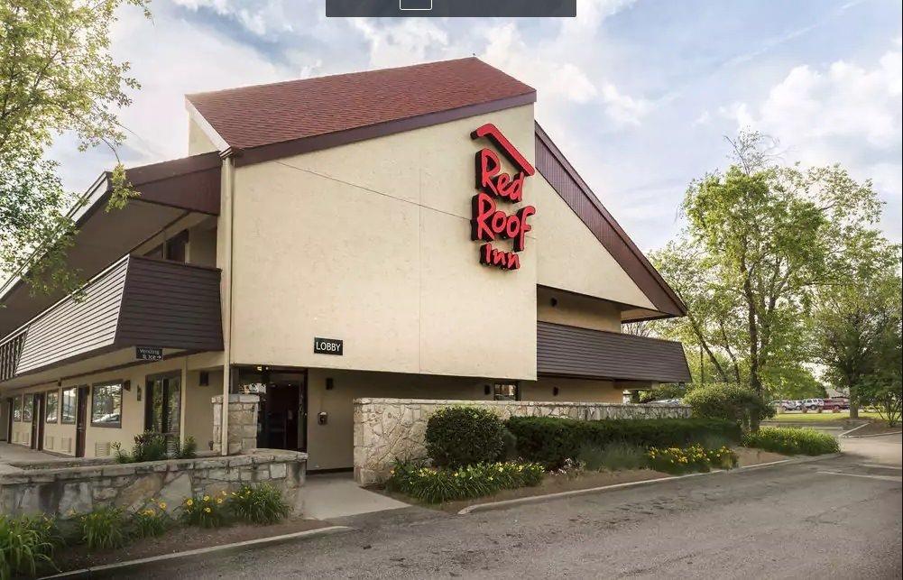 Ultimate List of Best Luxury Hotels in Rockford City, Illinois, Redroof Inn Rockford