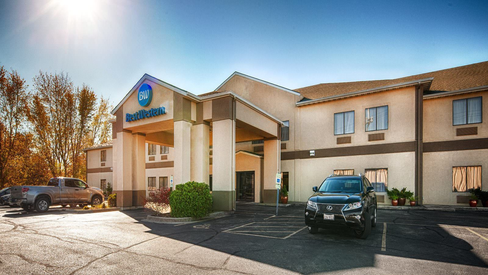 Ultimate List of Best Luxury Hotels in Springfield City, Illinois, Best Western Clearlake Plaza