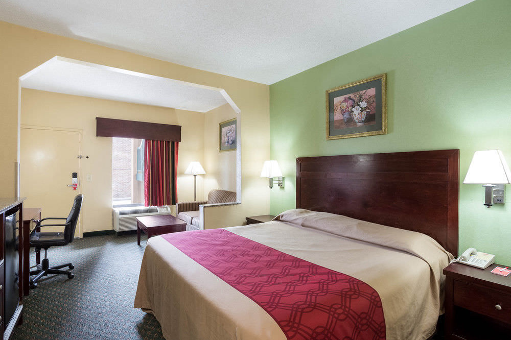 Ultimate List of Best Backpacker Hotels In New Orleans Econo Lodge