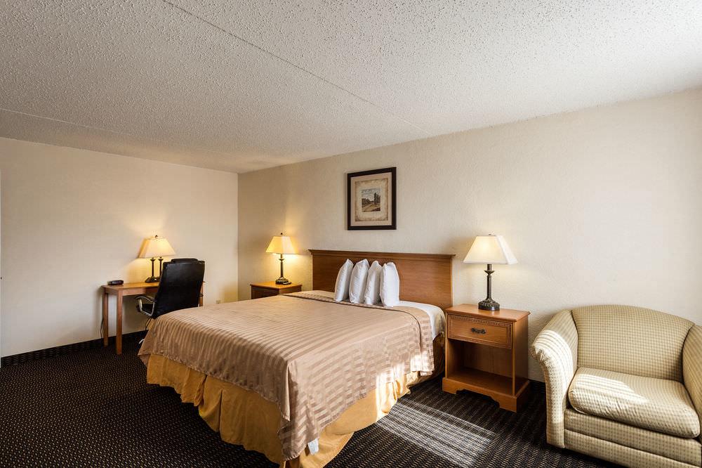 Ultimate List of Best Backpacker Hotels In New Orleans Rodeway Inn & Suites