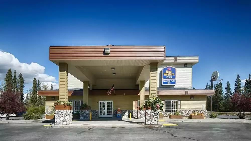 Ultimate List of Best Cheap Hostels for Backpackers in Fairbanks, Alaska, Best Western Plus Pioneer Park Hotel