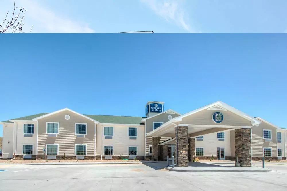 Ultimate List of Best Cheap Hostels for Backpackers in Greeley, Colorado, Cobblestone Inn & Suites