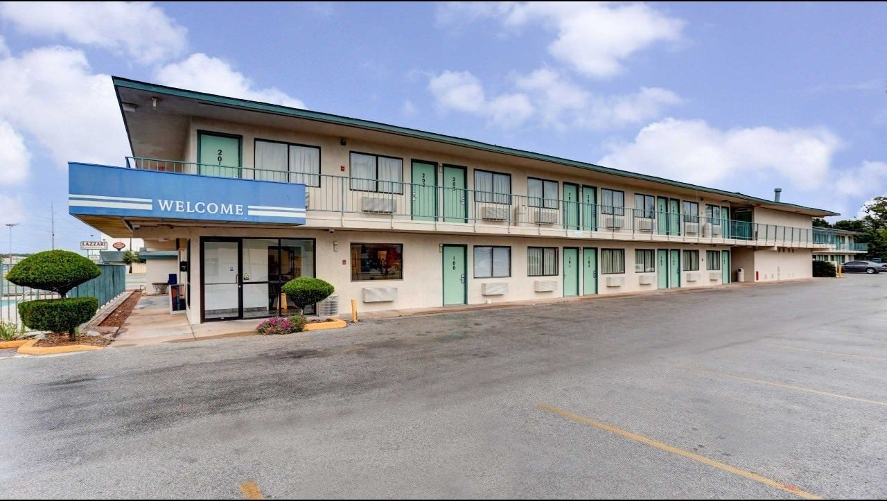 Ultimate List of Best Cheap Hostels for Backpackers in Jonesboro, Arkansas, Motel 6 Jonesboro Arkansas