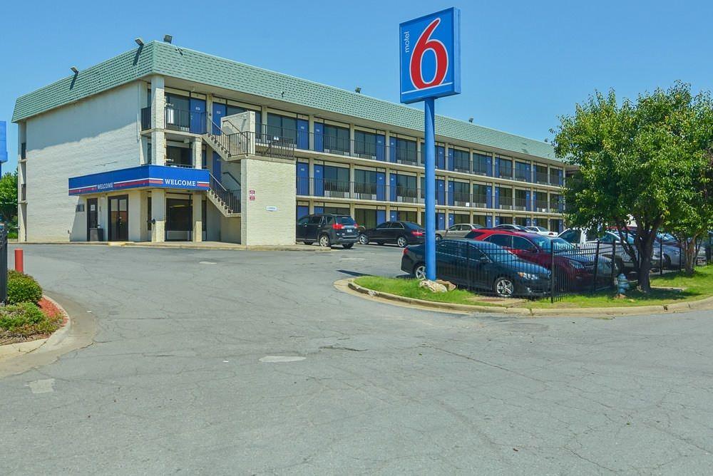 Ultimate List of Best Cheap Hostels for Backpackers in Little Rock, Arkansas, Motel 6 Little Rock West