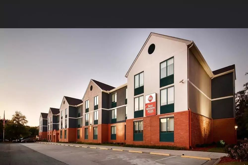 Ultimate List of Best Cheap Hostels for Backpackers in Roswell, Georgia, Best Western PLUS Roswell - Alpharetta
