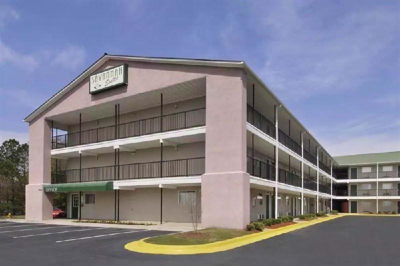 Ultimate List of Best Cheap Hostels for Backpackers in Savannah, Georgia, Studio 6- Savannah