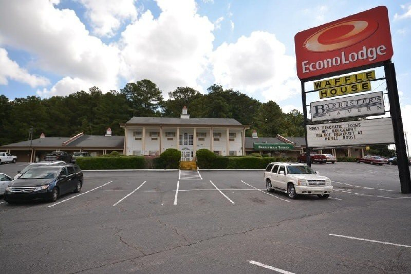 Ultimate List of Best Cheap Hostels in Birmingham, Alabama, Econo Lodge Bermingham