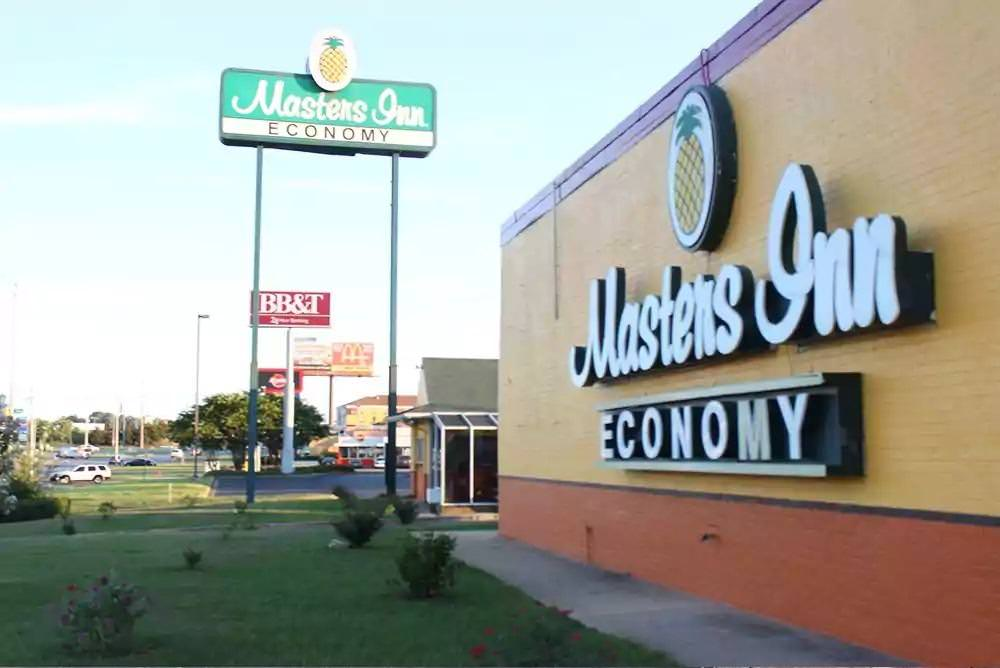 Ultimate List of Best Cheap Hostels in Tuscaloosa, Alabama, Masters Inn