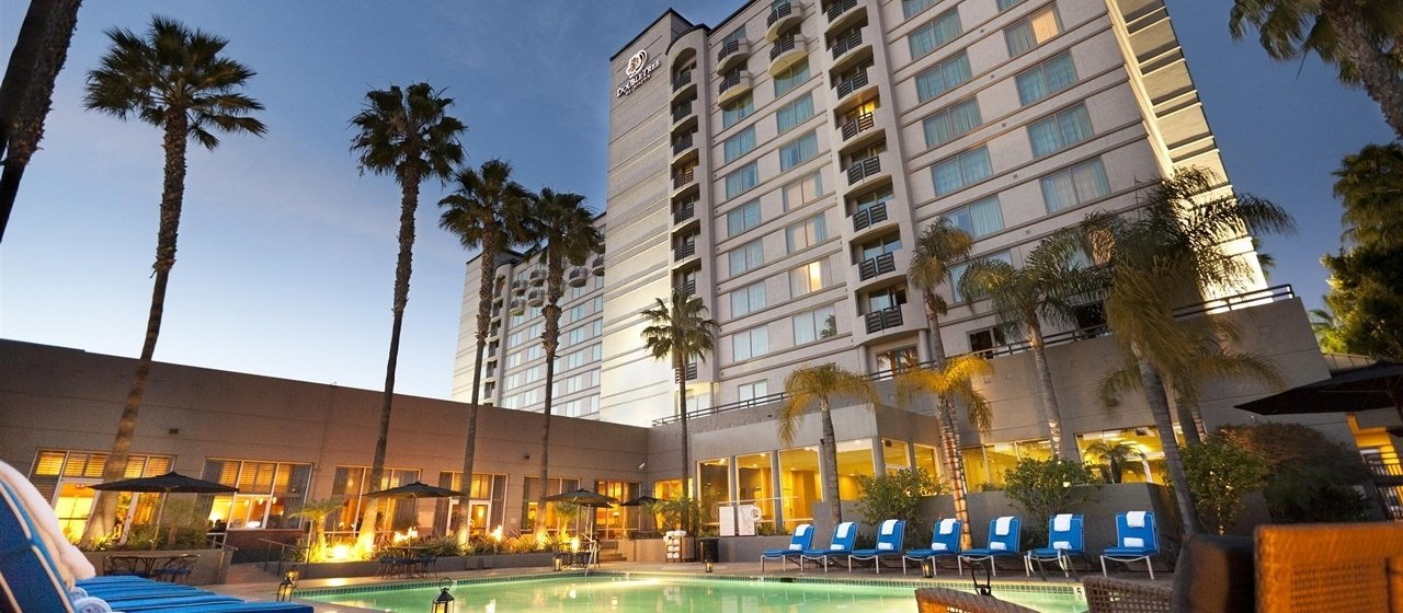 Ultimate List of Best Luxury Hotels in California, Doubletree San Diego Mission Valley Hotel