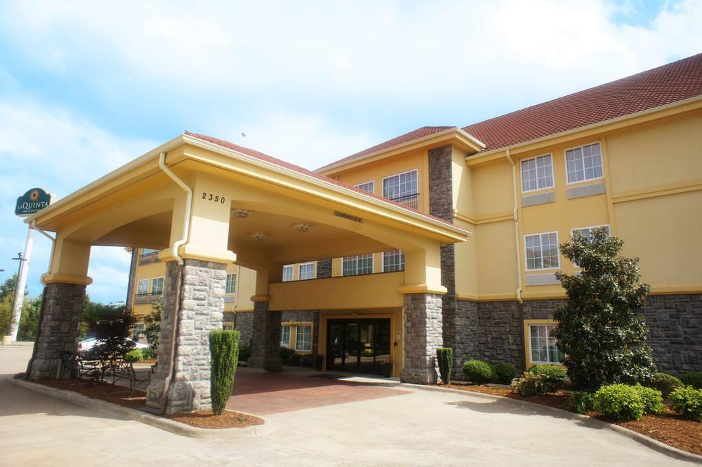 Ultimate List of Best Luxury Hotels in Conway, Arkansan, La Quinta Inn & Suites Conway