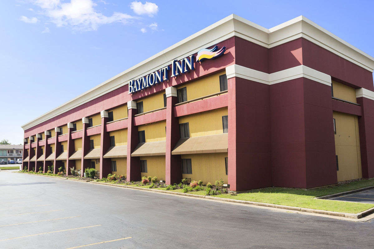 Ultimate List of Best Luxury Hotels in Forth Smith, Arkansan, Baymont Inn & Suites Fort Smith