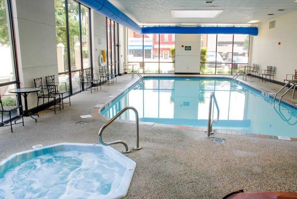 Ultimate List of Best Luxury Hotels in Forth Smith, Arkansan, DoubleTree by Hilton Fort Smith City Center