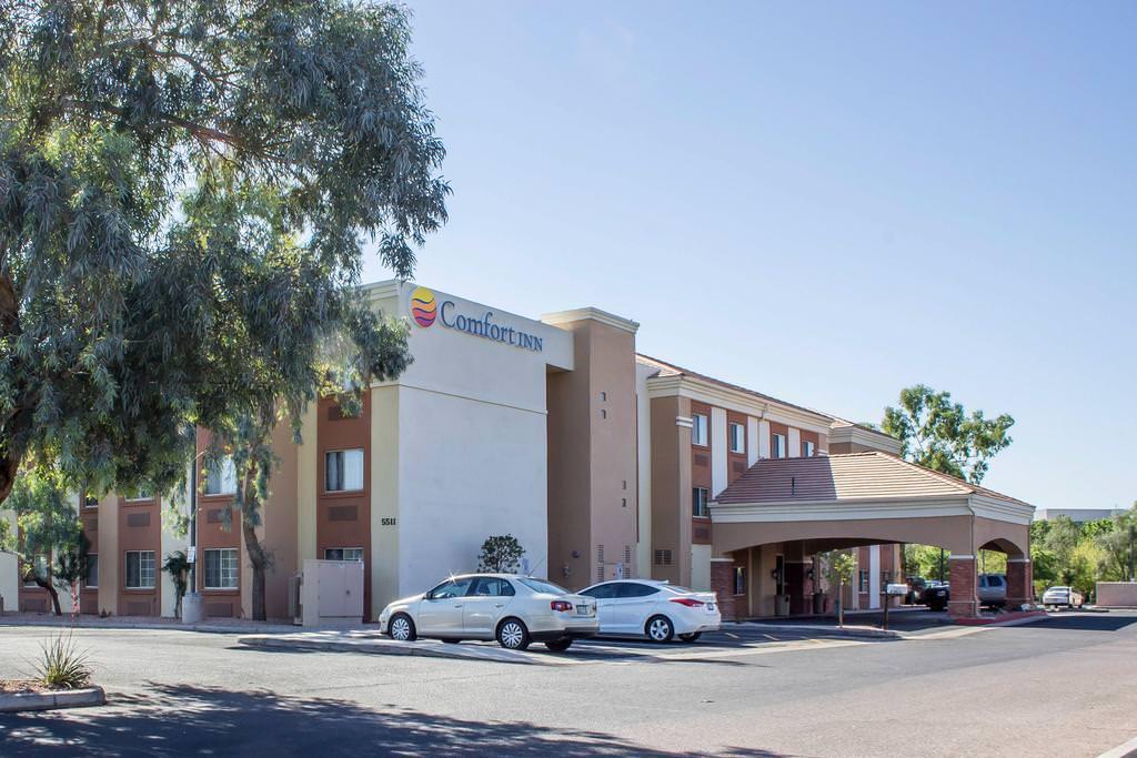 Ultimate List of Best Luxury Hotels in Glendale, Arizona, Comfor Inn & Suites Talavi Glendale