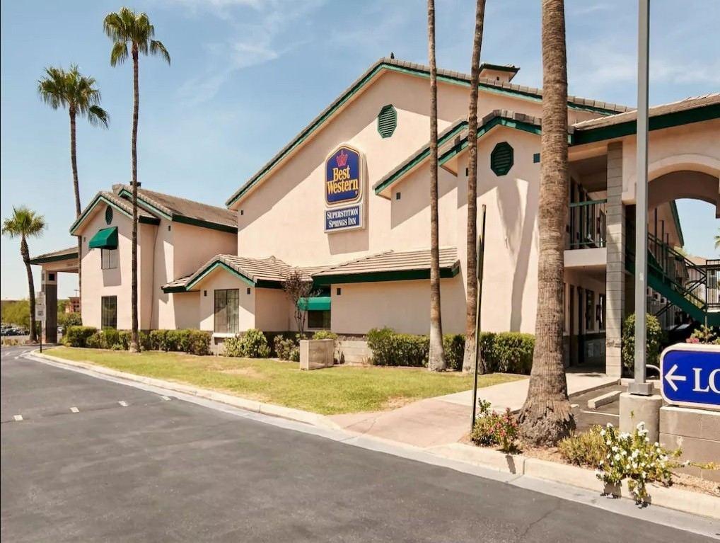 Ultimate List of Best Luxury Hotels in Mesa, Arizona, Best Western Superstition Springs Inn