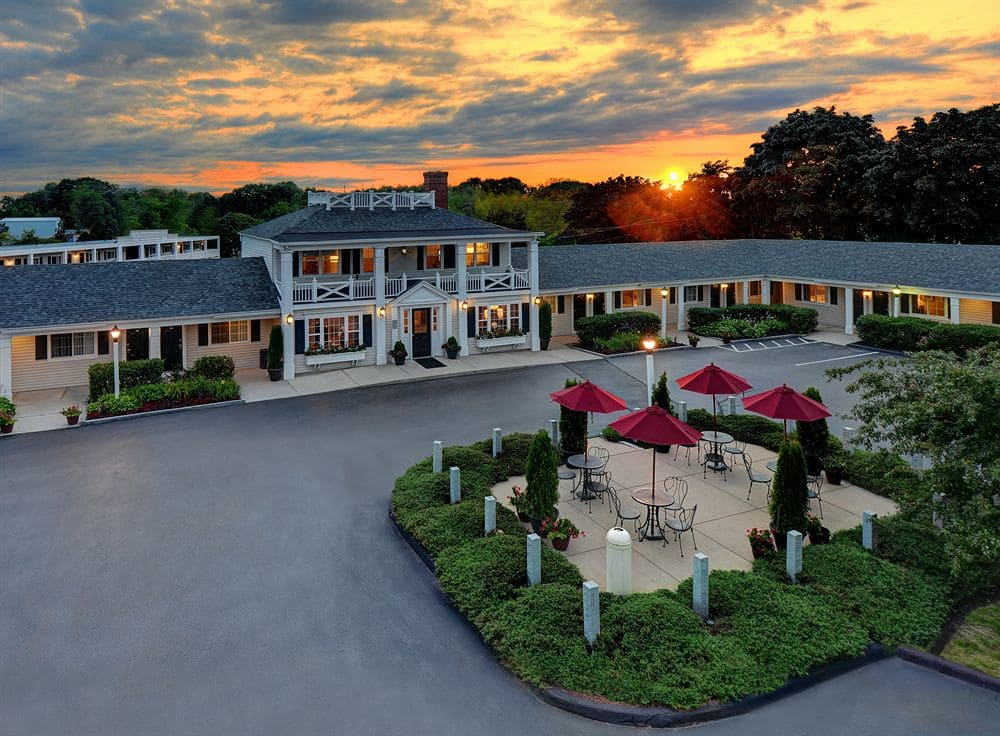 Ultimate List of Best Luxury Hotels in New Hampshire The Port Inn