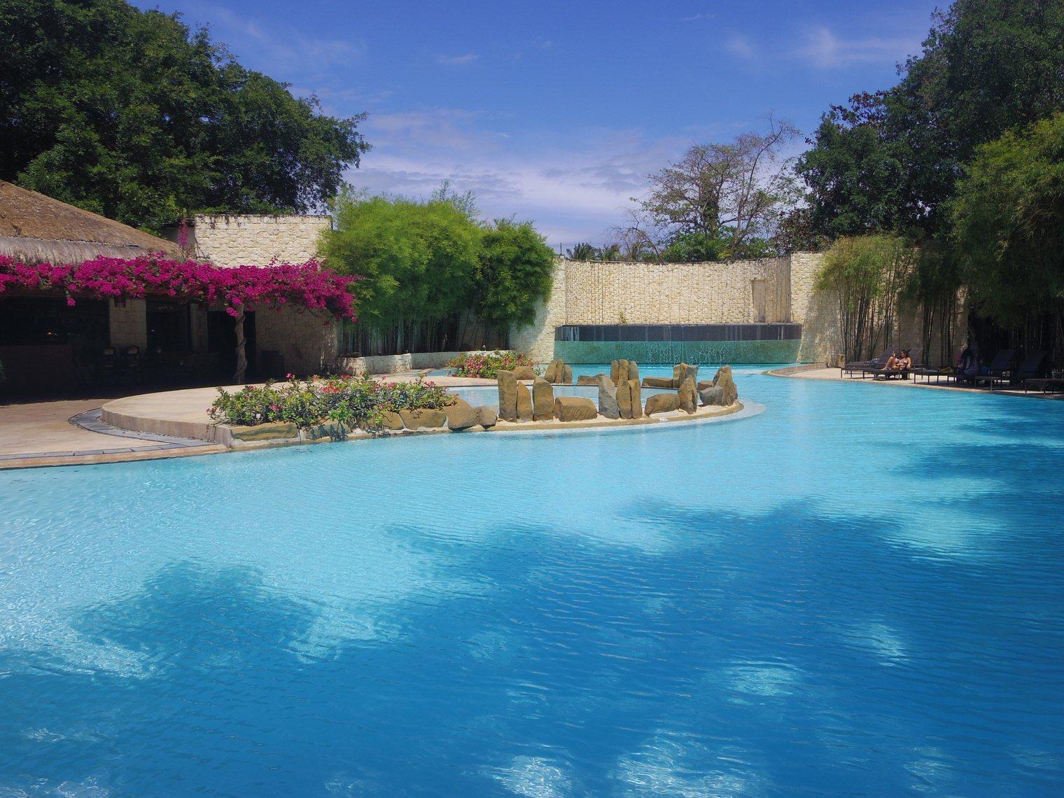 Why Bluewater Maribago Beach Resort, Mactan Island, Cebu is Ideal for all Travellers