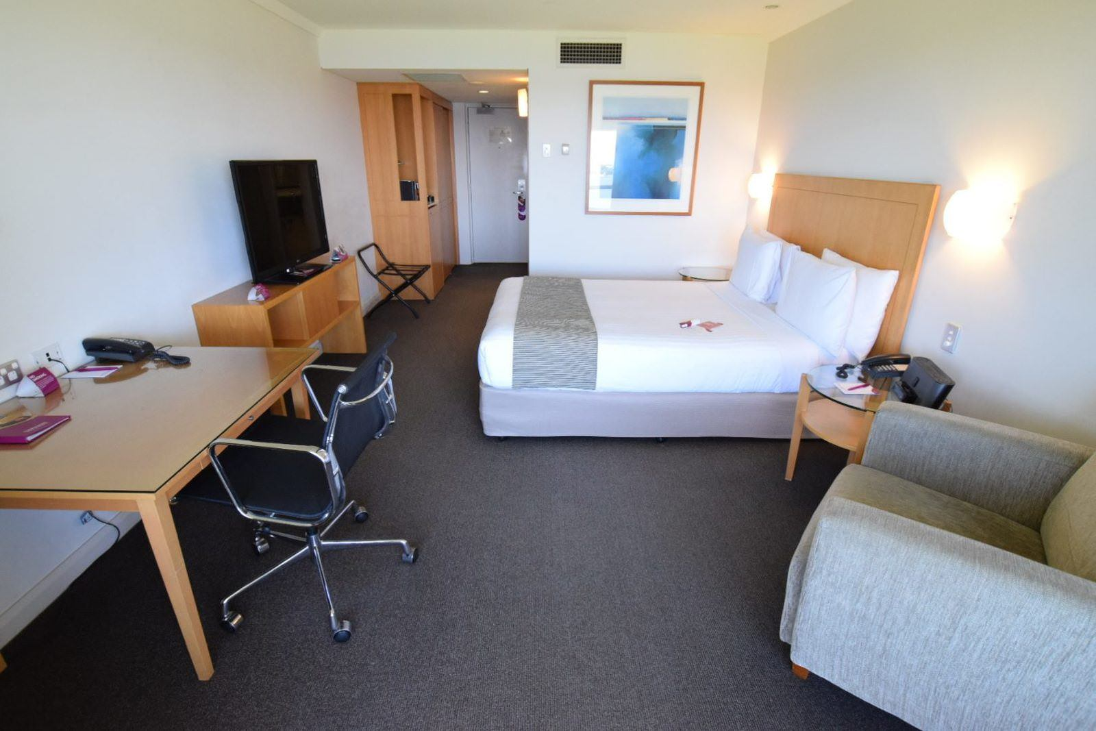Crowne Plaza Perth A Wonderful Hotel Experience Enhanced by an Expected Reunion Suite