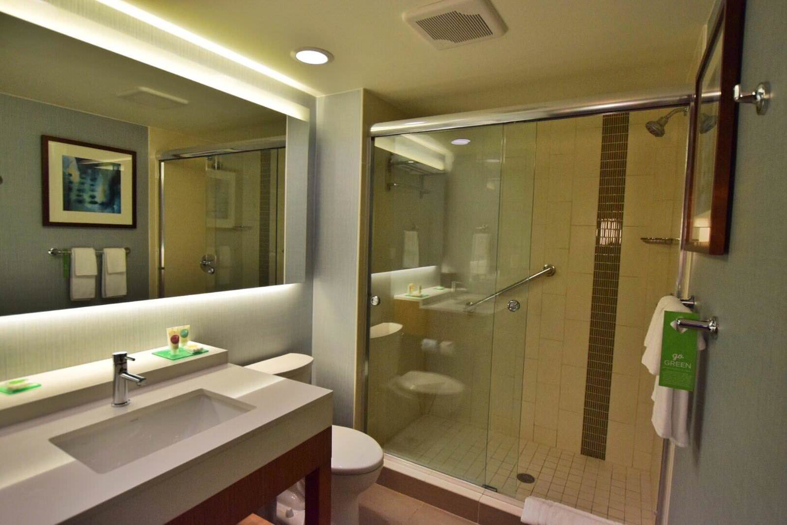 Hyatt Place Boca Raton Room Bathroom