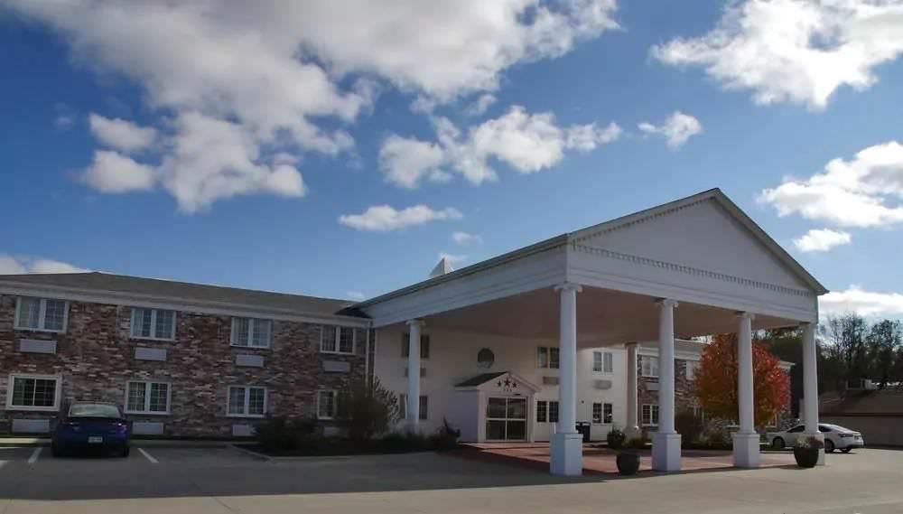 Ultimate List of Best Cheap Hostels for Backpackers in Bellevue CIty, Nebraska, SureStay Plus
