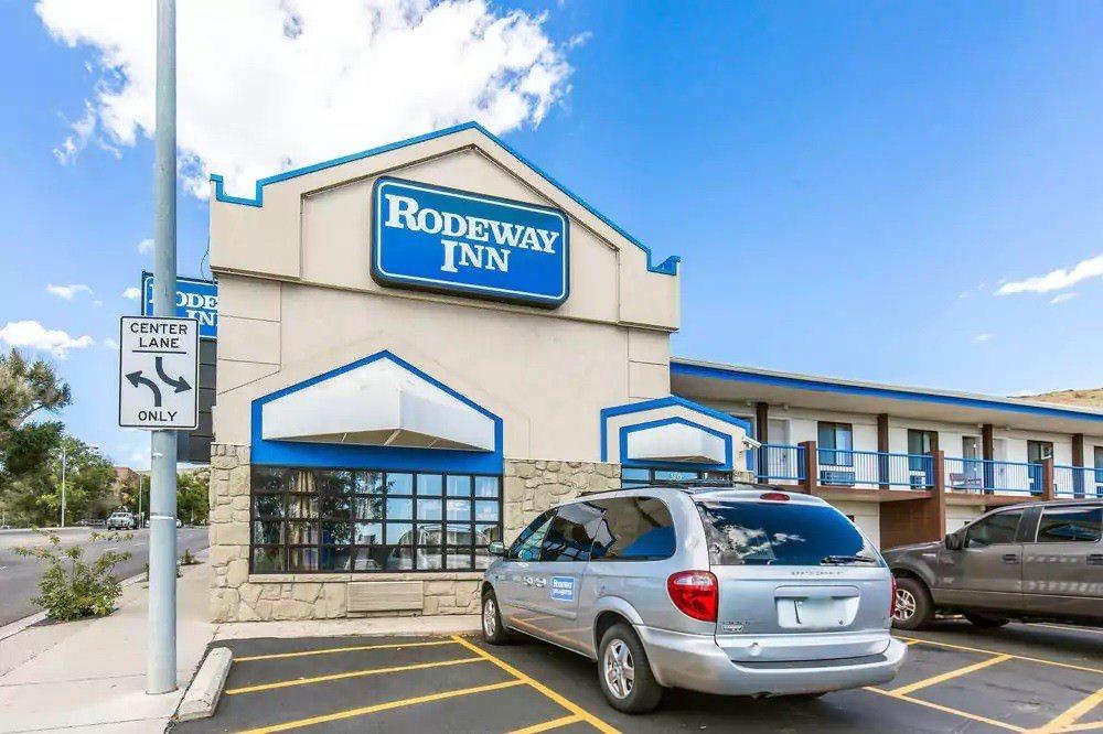 Ultimate List of Best Cheap Hostels for Backpackers in Billings City, Montana, Rodeway Inn Billings