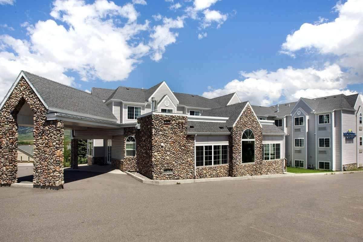 Ultimate List of Best Cheap Hostels for Backpackers in Bozeman city, Montana, Microtel Inn & Suites by Wyndham Bozeman