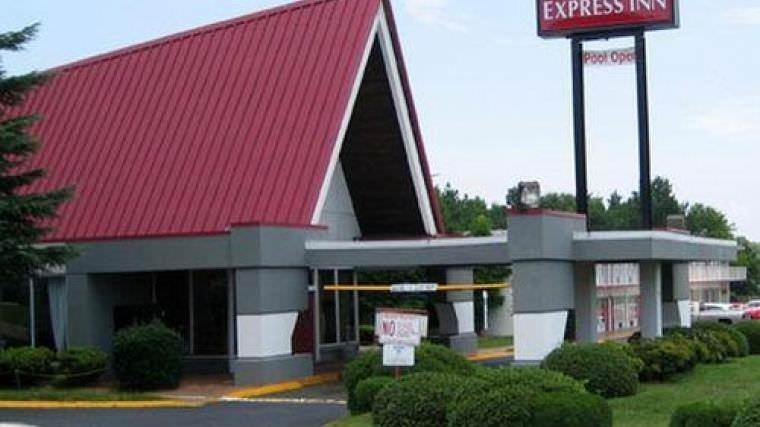 Ultimate List of Best Cheap Hostels for Backpackers in Charlotte City, North Carolina, Ramada Charlotte Express Inn