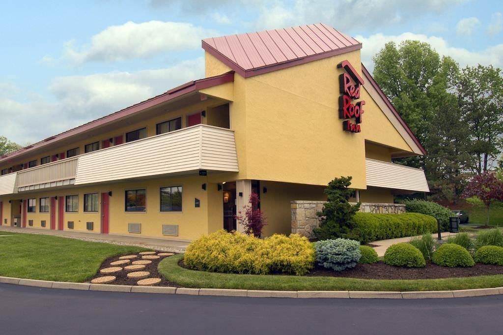 Ultimate List of Best Cheap Hostels for Backpackers in Cincinnati, Ohio, Red Roof Inn Cincinnati Northeast - Blue Ash