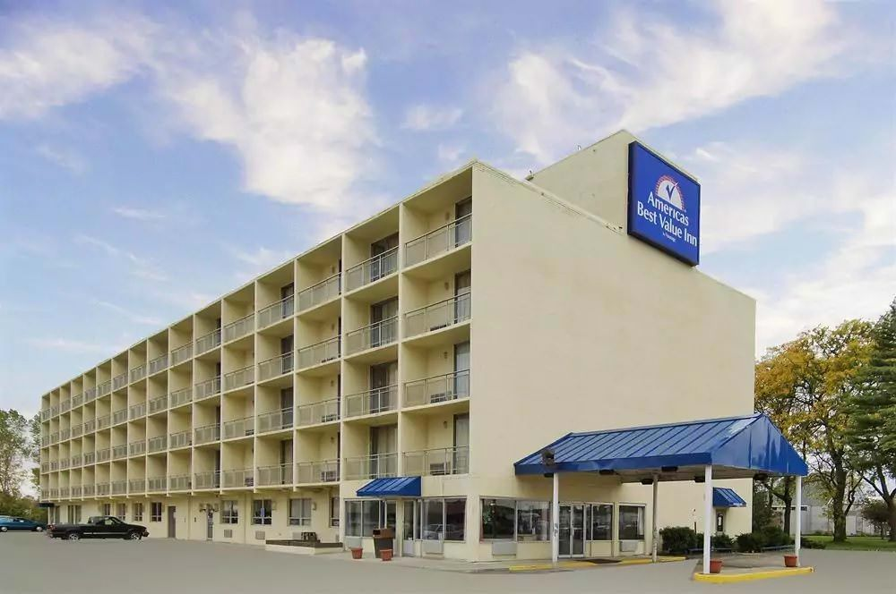 Ultimate List of Best Cheap Hostels for Backpackers in Cleveland, Ohio, Americas Best Value Inn Cleveland Airport