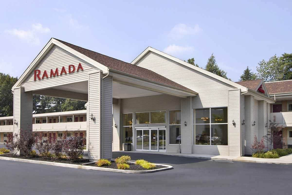 Ultimate List of Best Cheap Hostels for Backpackers in Cleveland, Ohio, Ramada Cleveland Airport
