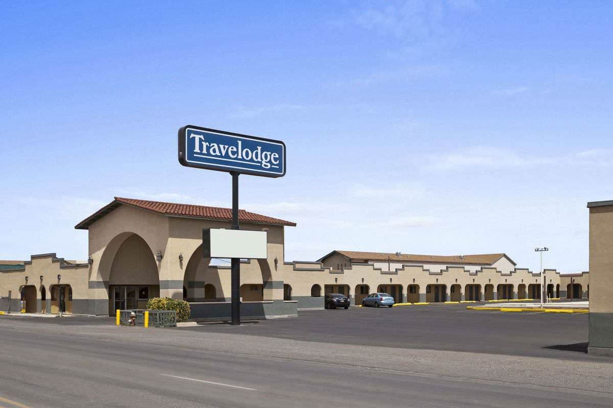 Ultimate List of Best Cheap Hostels for Backpackers in Clovis, New Mexico, Travelodge Clovis