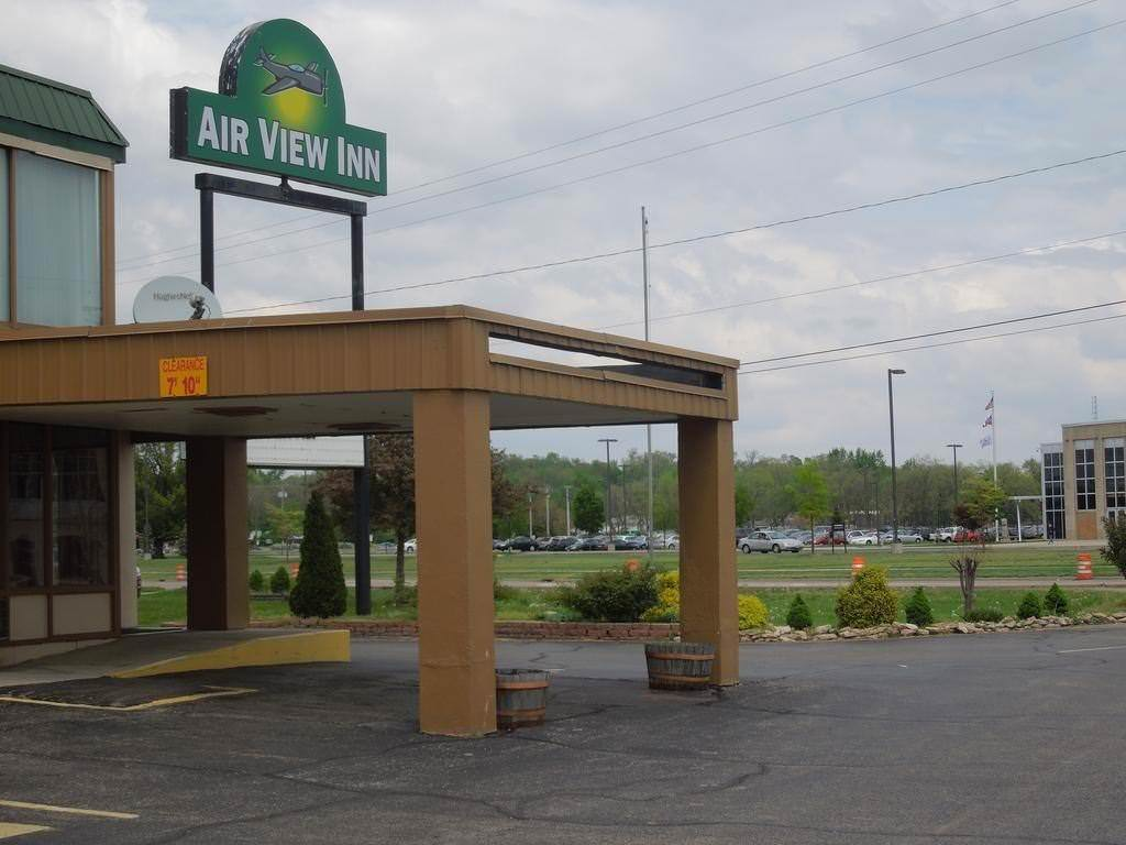 Ultimate List of Best Cheap Hostels for Backpackers in Dayton, Ohio, Air View Inn