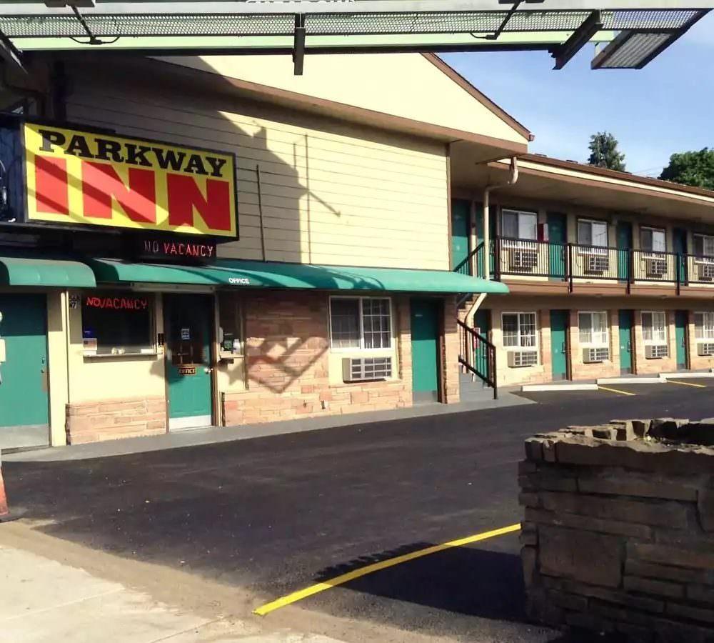 Ultimate List of Best Cheap Hostels for Backpackers in Eugene, Oregon, Parkway Inn