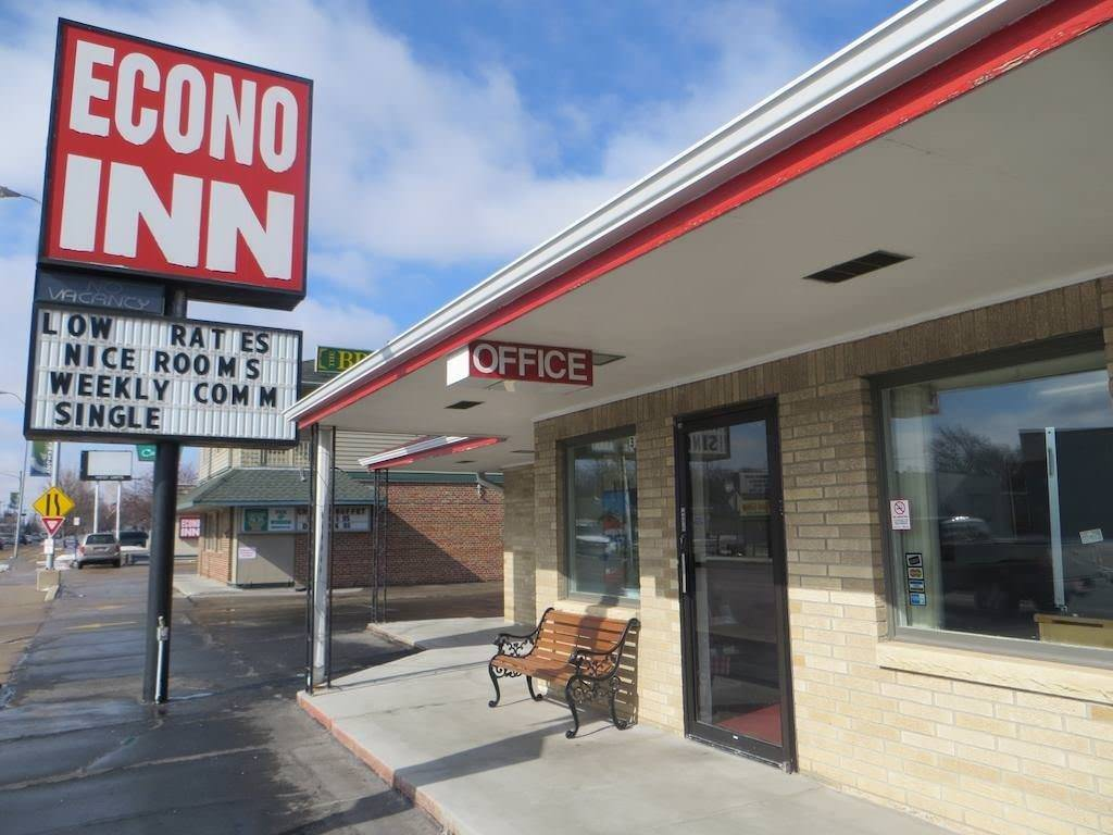 Ultimate List of Best Cheap Hostels for Backpackers in Fremont CIty, Nebraska, Econo Inn Fremont