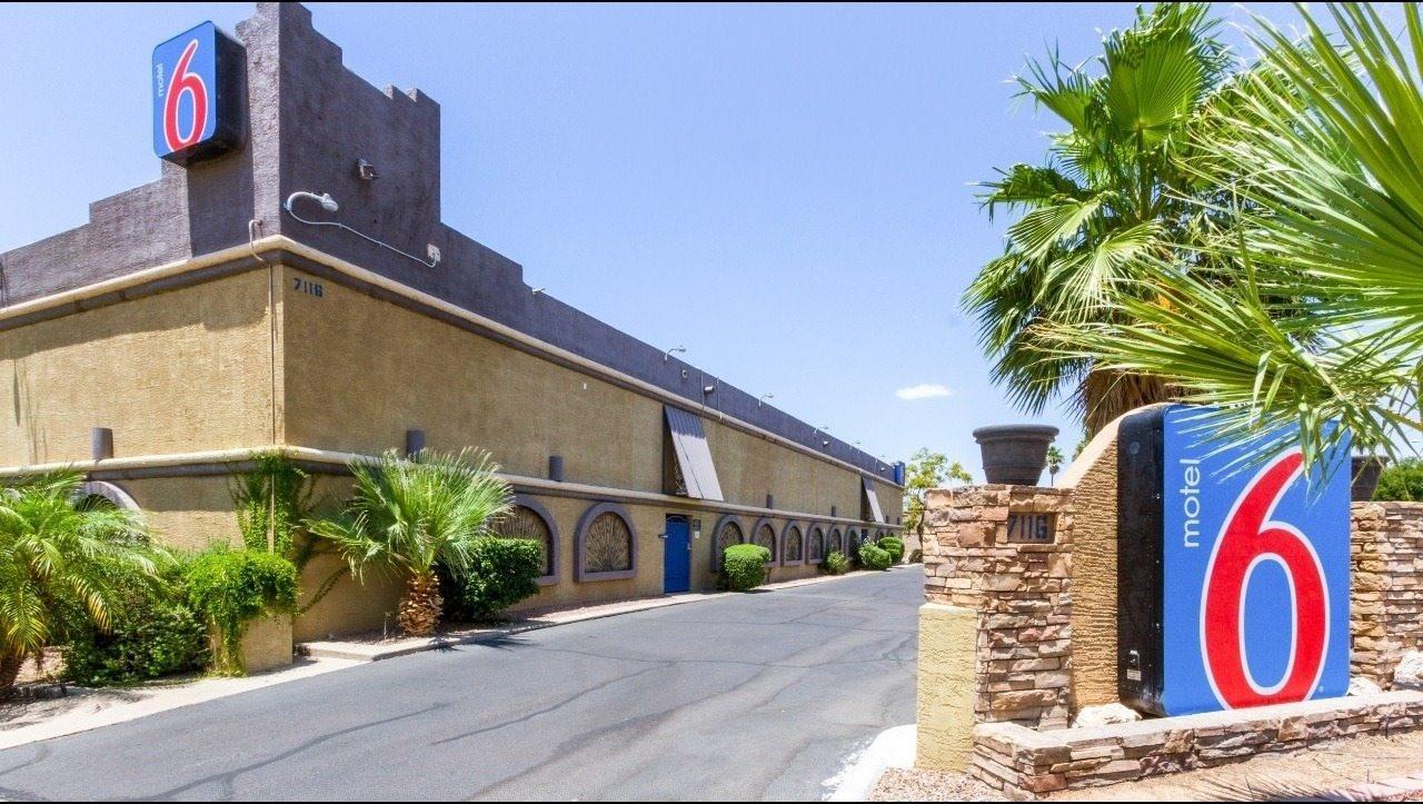 Ultimate List of Best Cheap Hostels for Backpackers in Glendale, Arizona, Motel 6 Glendale