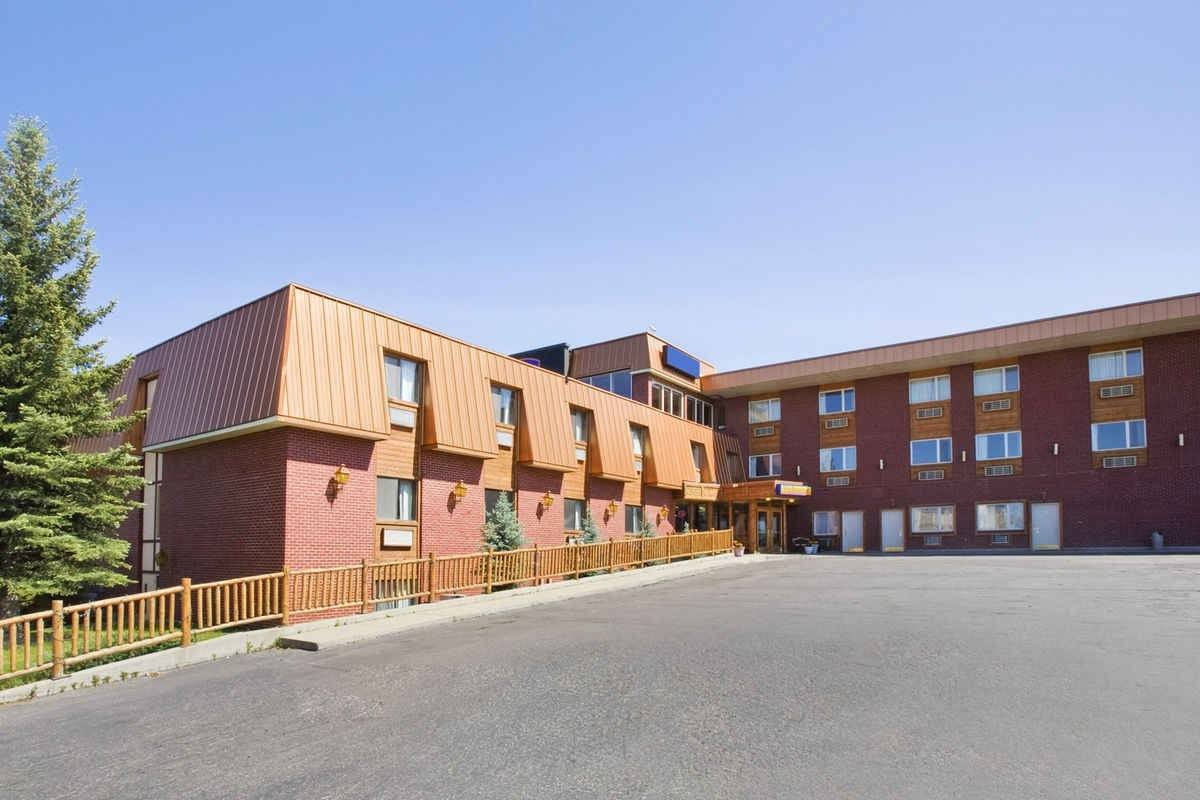 Ultimate List of Best Cheap Hostels for Backpackers in Helena city, Howard Johnson Helena