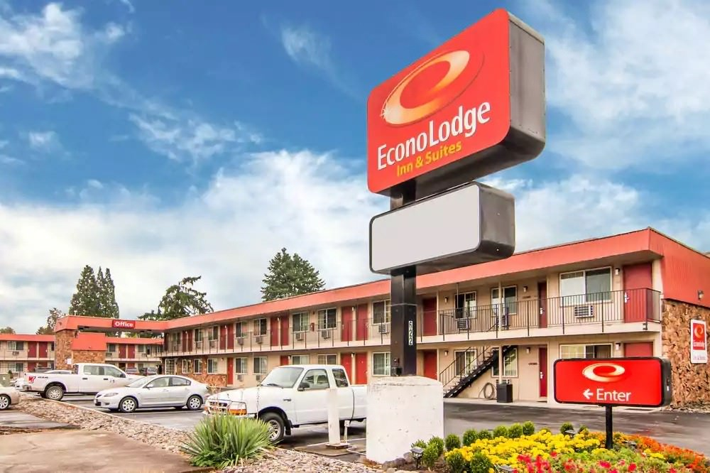 Ultimate List of Best Cheap Hostels for Backpackers in Hillsboro, Oregon,Econo Lodge Inn & Suites