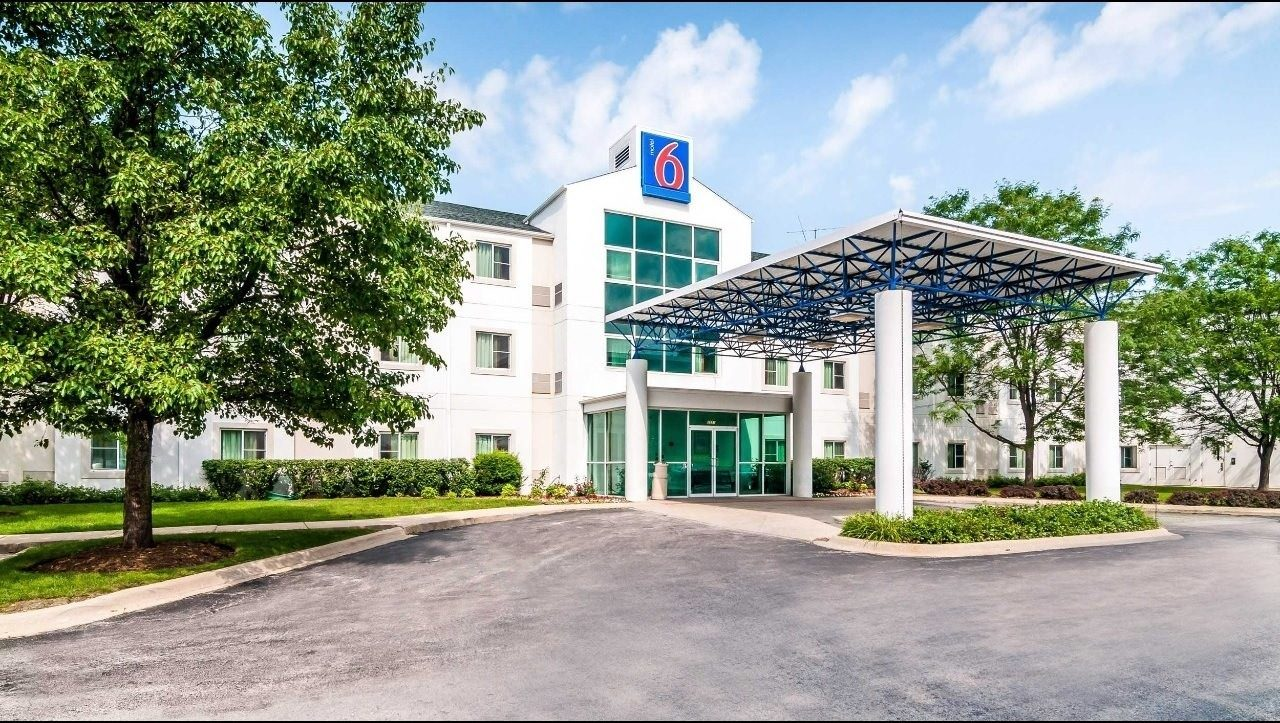 Ultimate List of Best Cheap Hostels for Backpackers in Joliet, Illinois, Motel 6 Joliet IL
