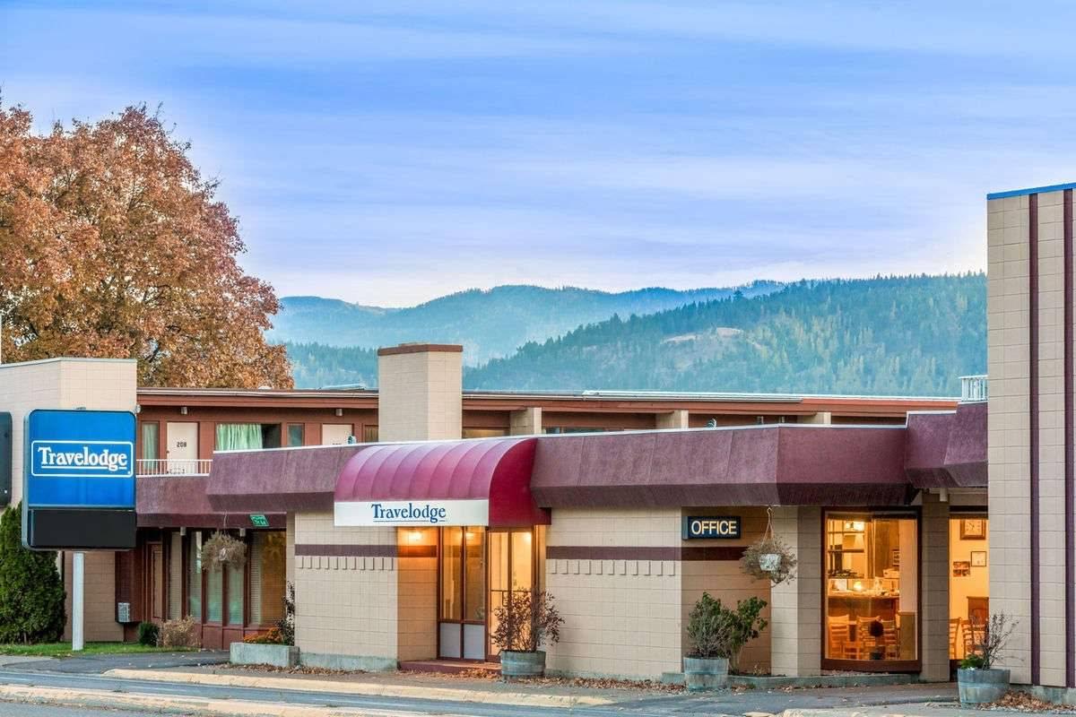 Ultimate List of Best Cheap Hostels for Backpackers in Kalispell city, Montana, Travelodge - Kalispell