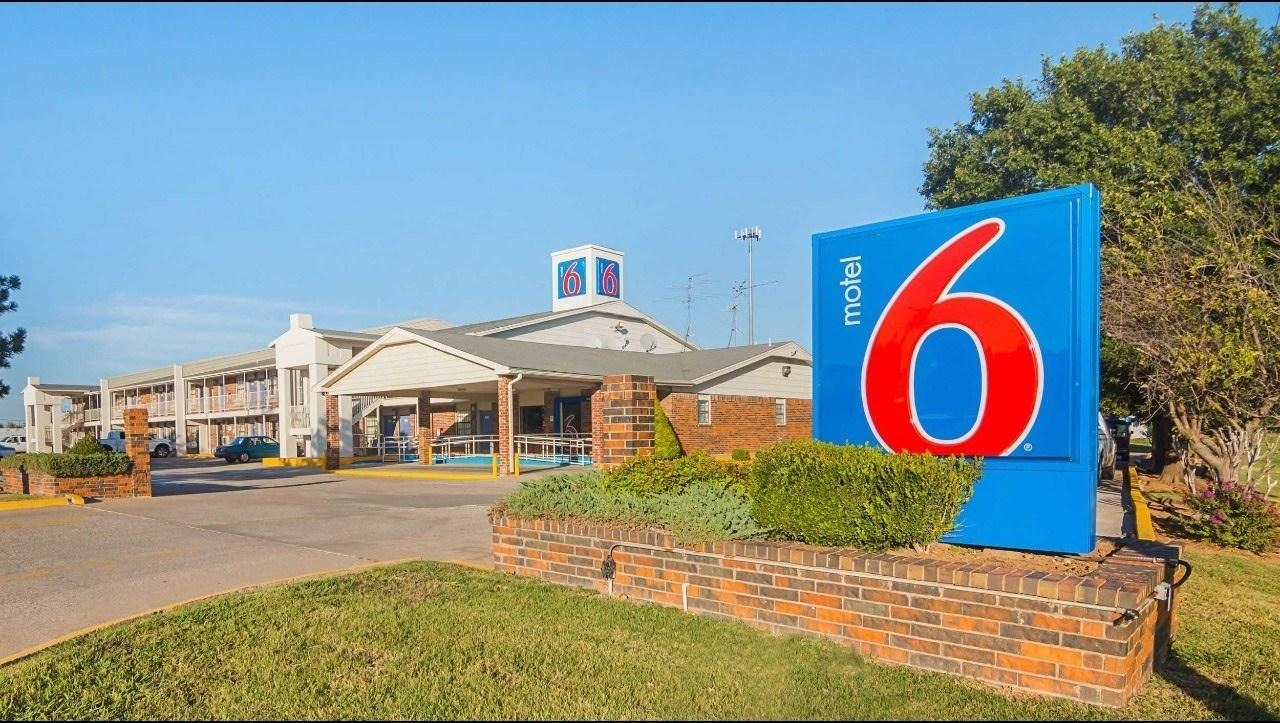Ultimate List of Best Cheap Hostels for Backpackers in Lawton, Oklahoma, Motel 6 Lawton