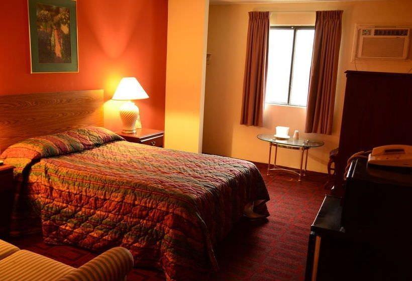 Ultimate List of Best Cheap Hostels for Backpackers in Lincoln City, Nebraska, Luxury Inn & Suites Lincoln