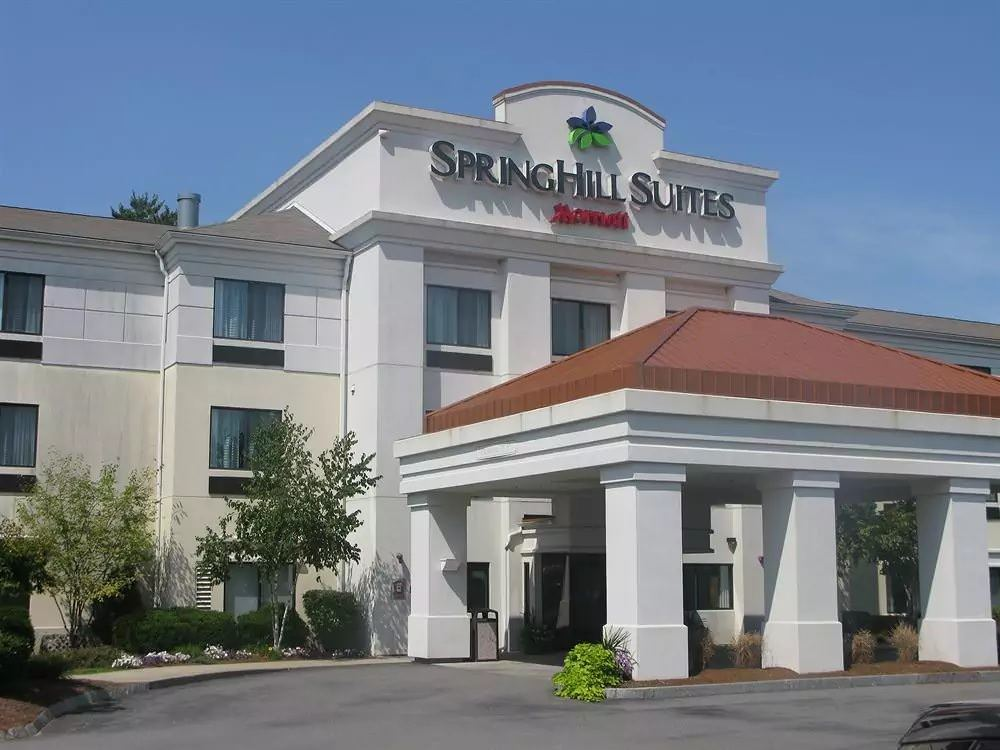 Ultimate List of Best Cheap Hostels for Backpackers in Manchester City, New Hampshire, SpringHill Suites Manchester-Boston Regional Airport