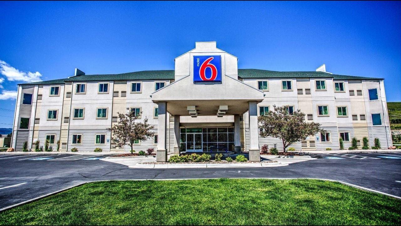 Ultimate List of Best Cheap Hostels for Backpackers in Missoula, Montana, Motel 6 Missoula