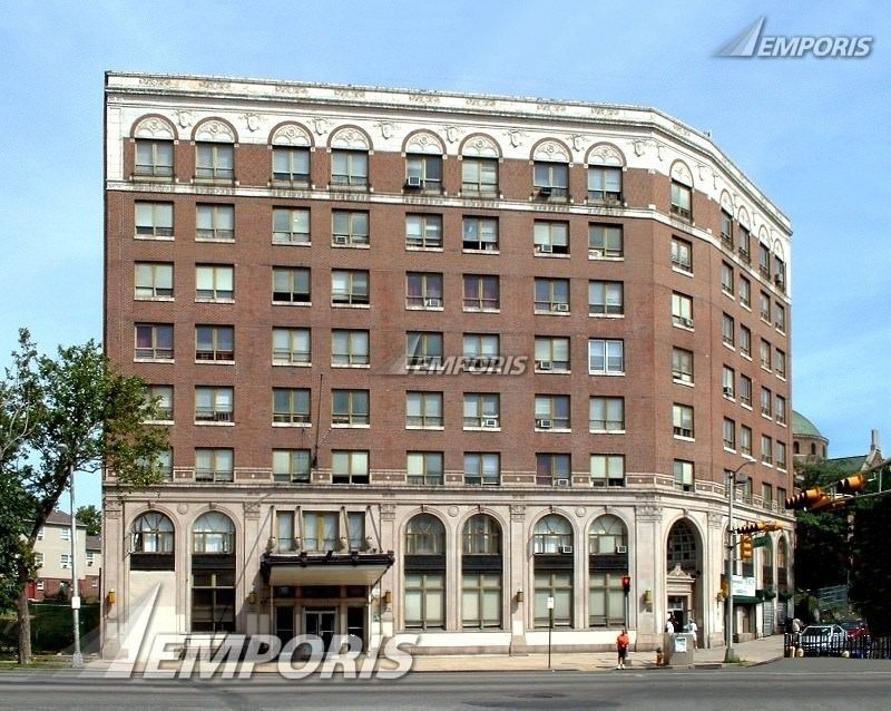Ultimate List of Best Cheap Hostels for Backpackers in Newark City, New Jersey, Riviera Hotel Newark