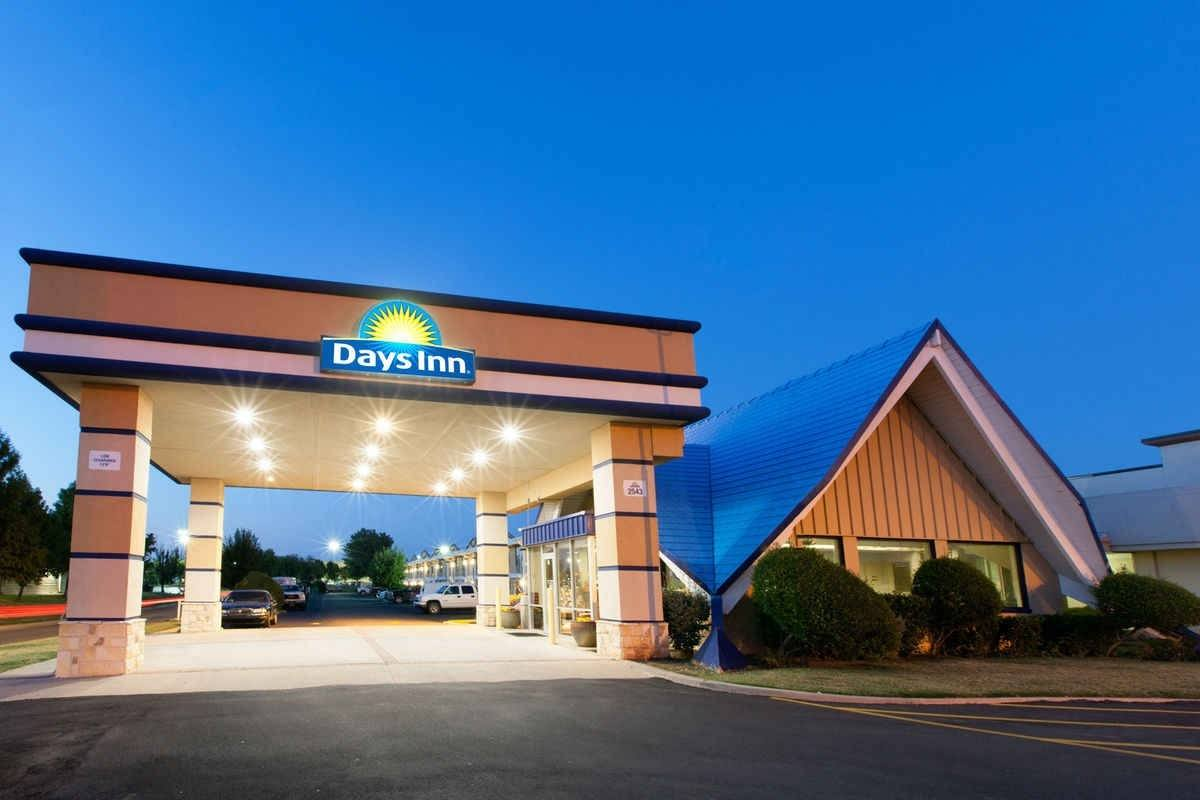 Ultimate List of Best Cheap Hostels for Backpackers in Norman, Oklahoma, Days Inn Norman