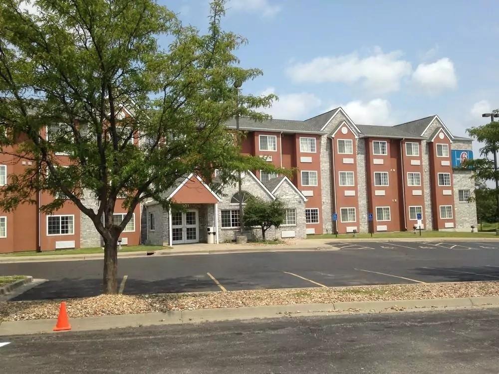 Ultimate List of Best Cheap Hostels for Backpackers in Olathe, Kansas, Motel 6 Olathe