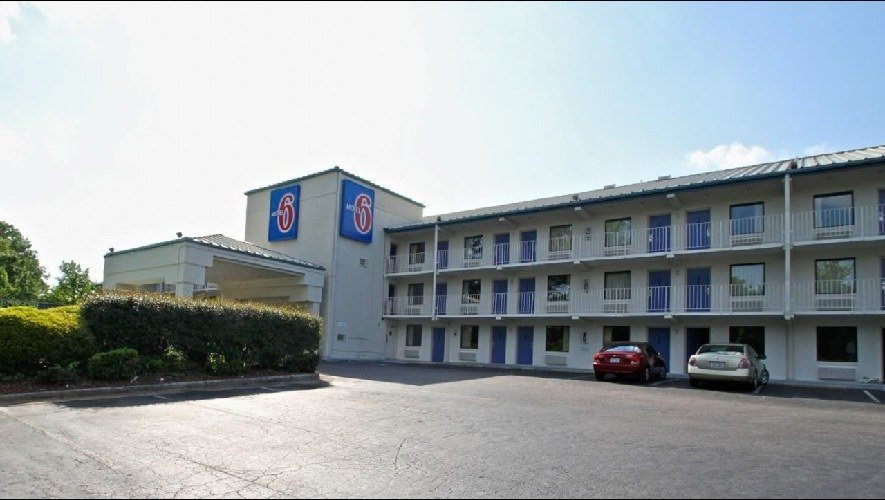 Ultimate List of Best Cheap Hostels for Backpackers in Raleigh City, North Carolina, Motel 6 Raleigh - North